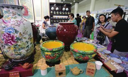 第五届济南艺博会在济南舜耕国际会展中心开幕